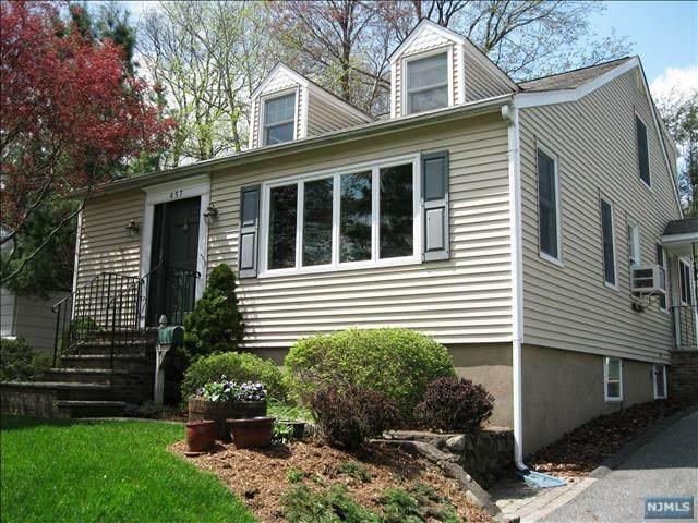 457 Louisa Avenue, Wyckoff, NJ 07481 (MLS #21040075) :: The Sikora Group