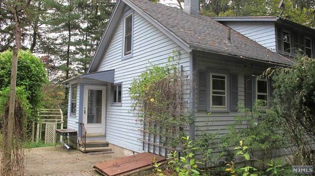 813 Old Mill Road, Franklin Lakes, NJ 07417 (#21040147) :: NJJoe Group at Keller Williams Park Views Realty