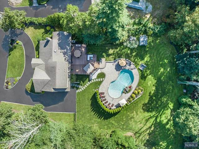 6 Dogwood Place, North Caldwell, NJ 07006 (MLS #21040179) :: Team Braconi | Christie's International Real Estate | Northern New Jersey