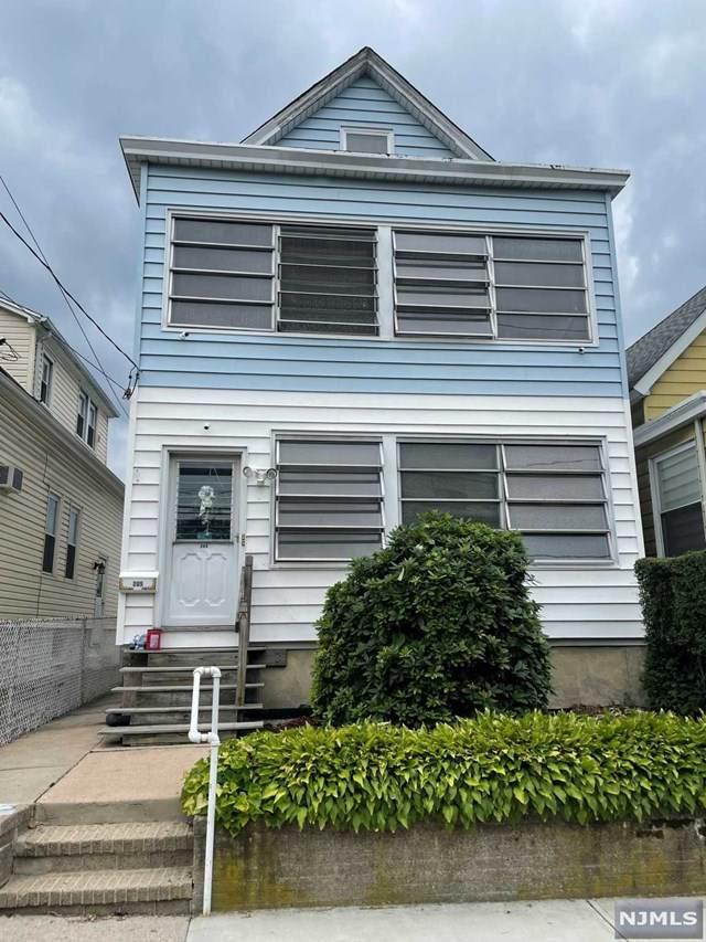 205 Cambridge Avenue - Photo 1