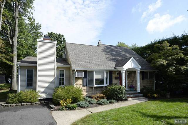 96 College Road, Midland Park, NJ 07432 (MLS #21040276) :: The Dekanski Home Selling Team