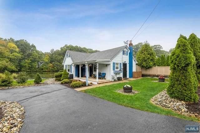 115 Lakeside Boulevard, Oakland, NJ 07436 (MLS #21040525) :: Kiliszek Real Estate Experts