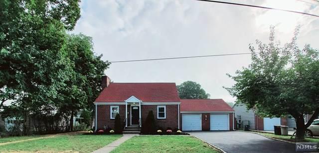 11 E Church Court, Dumont, NJ 07628 (MLS #21040741) :: The Sikora Group