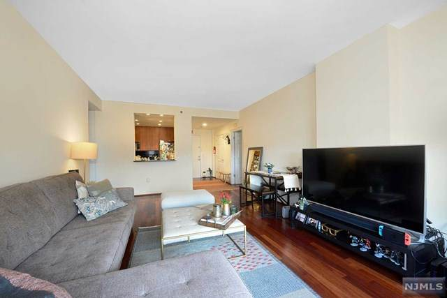 1208 City Place, Edgewater, NJ 07020 (MLS #21040780) :: RE/MAX RoNIN