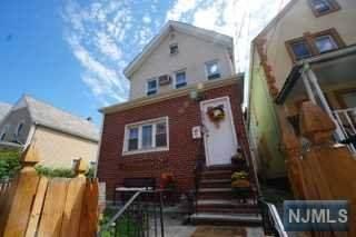 311 Highland Avenue, Passaic, NJ 07055 (MLS #21040871) :: Kiliszek Real Estate Experts
