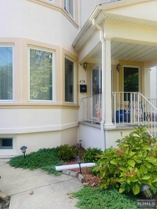654 E 28th Street, Paterson, NJ 07504 (MLS #21040993) :: Team Braconi | Christie's International Real Estate | Northern New Jersey