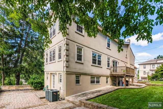 530 Oakdene Avenue, Ridgefield, NJ 07657 (MLS #21041030) :: Corcoran Baer & McIntosh
