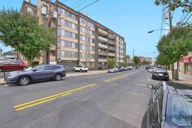515 Anderson Avenue 5J, Cliffside Park, NJ 07010 (MLS #21041073) :: RE/MAX RoNIN