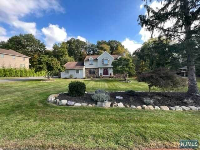 4 Dey Hill Trail, Totowa, NJ 07512 (#21041180) :: NJJoe Group at Keller Williams Park Views Realty