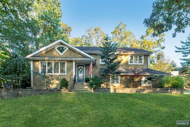 2 Stony Brook Drive, North Caldwell, NJ 07006 (MLS #21041223) :: Team Braconi | Christie's International Real Estate | Northern New Jersey