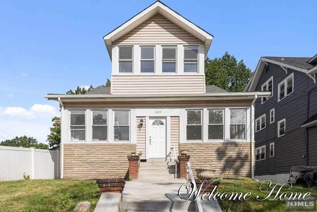 209 Chancellor Avenue, Newark, NJ 07112 (MLS #21041269) :: The Sikora Group