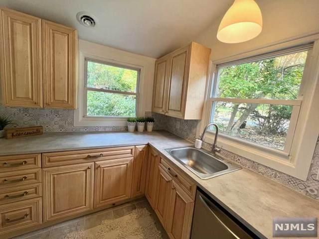 13 Newton Drive, West Milford, NJ 07480 (MLS #21041288) :: Team Braconi   Christie's International Real Estate   Northern New Jersey