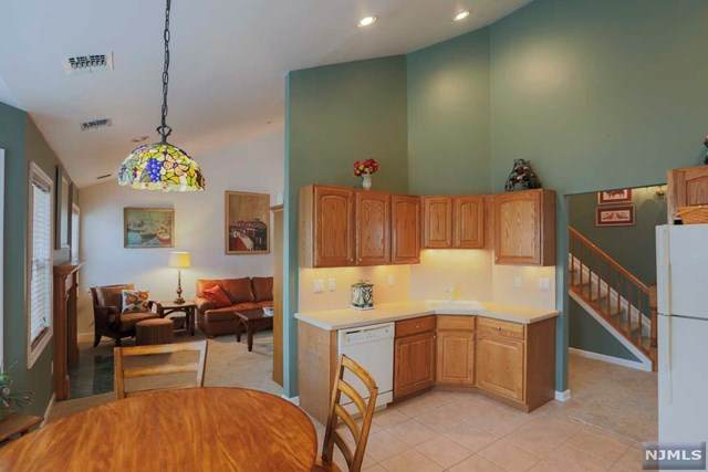 538 Coventry Drive, Nutley, NJ 07110 (MLS #21041293) :: Kiliszek Real Estate Experts