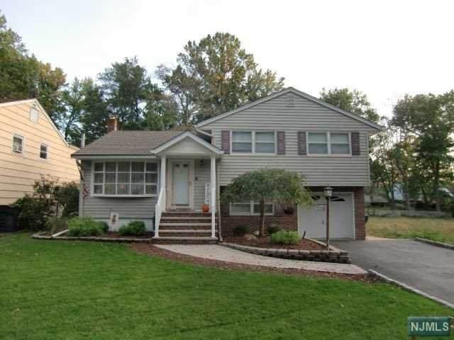 108 Hallberg Avenue, Bergenfield, NJ 07621 (MLS #21041319) :: Team Braconi | Christie's International Real Estate | Northern New Jersey
