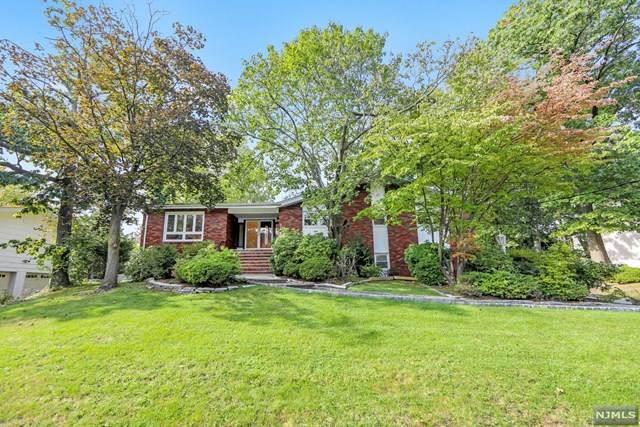 654 Floyd Street, Englewood Cliffs, NJ 07632 (MLS #21041361) :: The Dekanski Home Selling Team