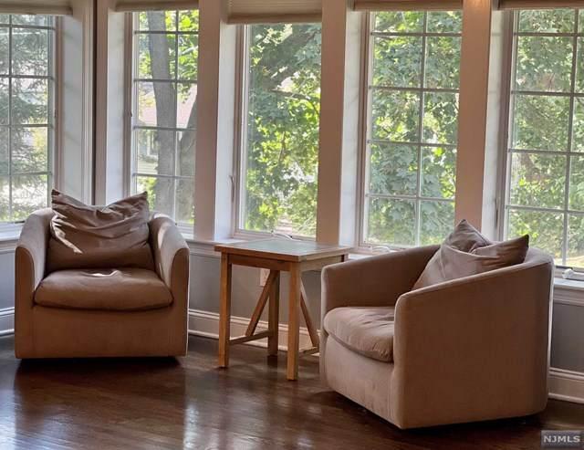 100 John Street, Oradell, NJ 07649 (MLS #21041371) :: Kiliszek Real Estate Experts