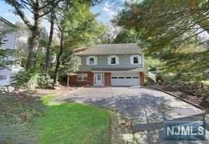 486 Ramapo Valley Road, Oakland, NJ 07436 (MLS #21041380) :: Kiliszek Real Estate Experts
