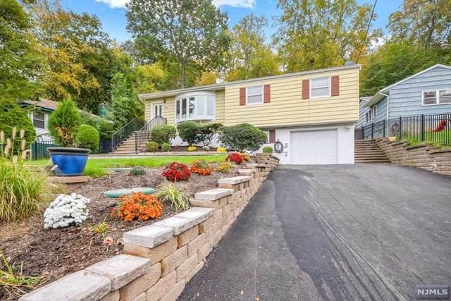 16 Wenonah Avenue, Oakland, NJ 07436 (MLS #21041397) :: Kiliszek Real Estate Experts
