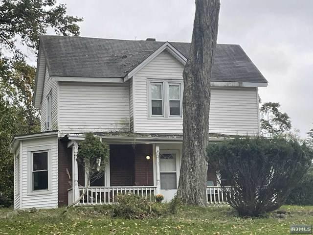 366 Fairfield Road, Wayne, NJ 07470 (MLS #21041436) :: The Sikora Group