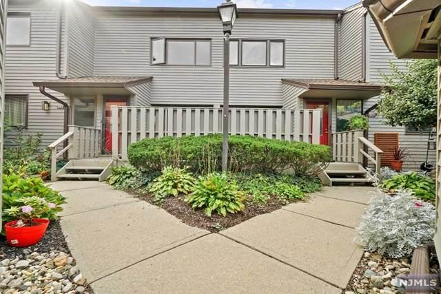 250 Vista View Drive, Mahwah, NJ 07430 (#21041482) :: NJJoe Group at Keller Williams Park Views Realty