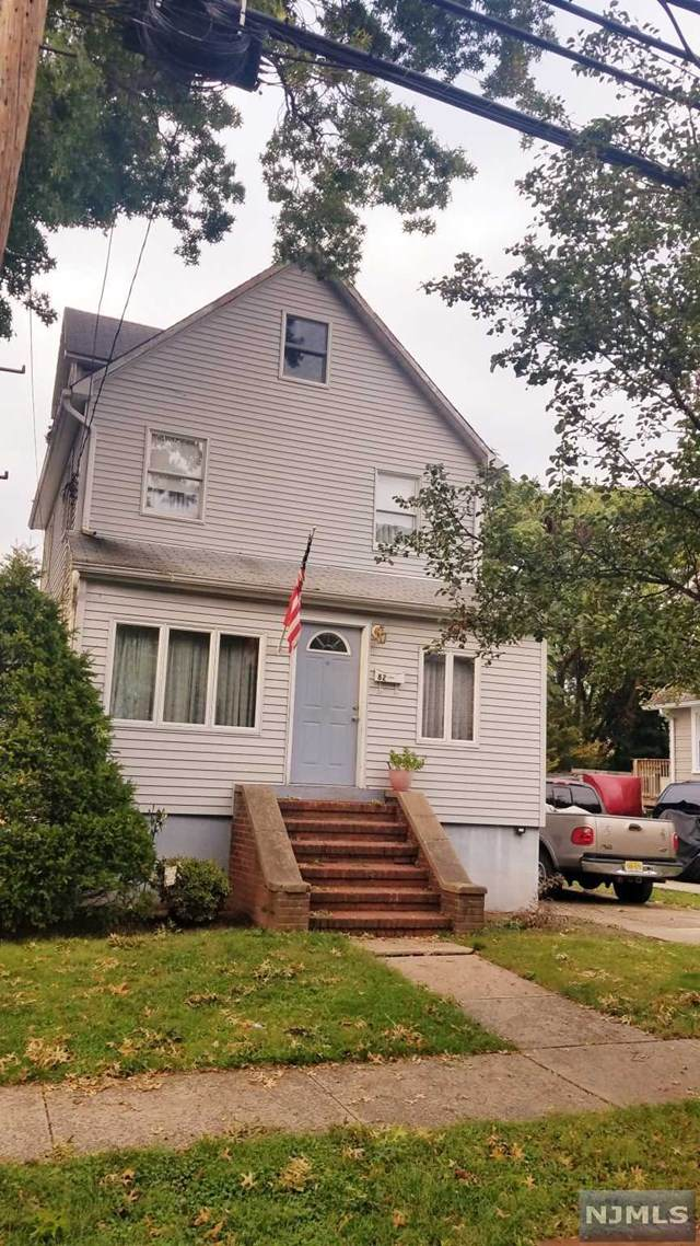 82 Cresskill Avenue, Dumont, NJ 07628 (MLS #21041624) :: The Dekanski Home Selling Team