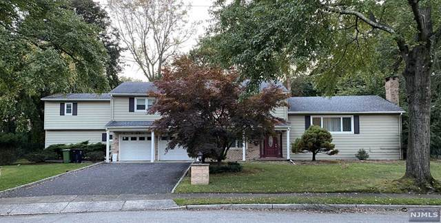 132 Midwood Road, Paramus, NJ 07652 (MLS #21041626) :: The Dekanski Home Selling Team