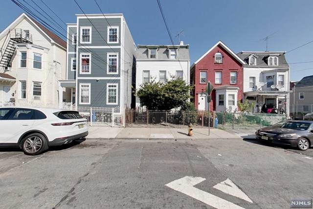 25 Taylor Street, Newark, NJ 07104 (MLS #21041646) :: The Dekanski Home Selling Team