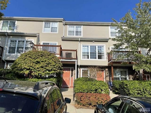 384 Village Court #384, Fort Lee, NJ 07024 (MLS #21041660) :: RE/MAX RoNIN