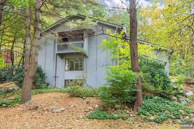 4 Dixon Terrace, Kinnelon Borough, NJ 07405 (MLS #21041746) :: Corcoran Baer & McIntosh