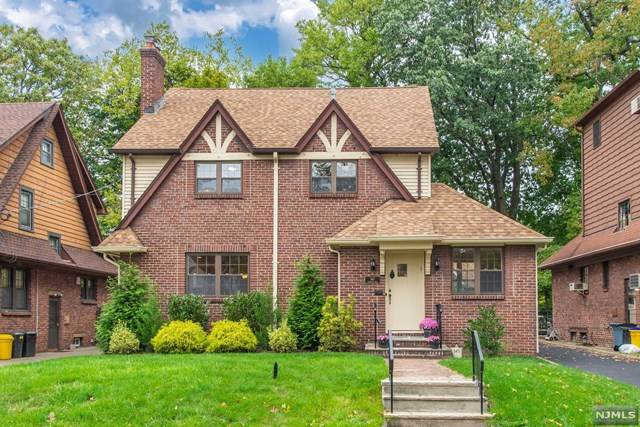 547 Standish Road, Teaneck, NJ 07666 (#21041750) :: NJJoe Group at Keller Williams Park Views Realty