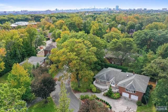 10 Reiner Place, Englewood Cliffs, NJ 07632 (MLS #21041903) :: The Dekanski Home Selling Team