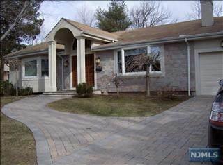 107 Pershing Road, Englewood Cliffs, NJ 07632 (MLS #21041909) :: The Dekanski Home Selling Team