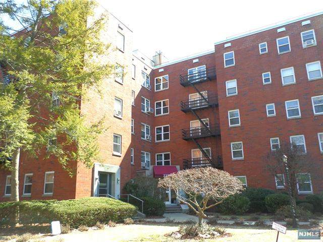 2330 Linwood Avenue 3C, Fort Lee, NJ 07024 (MLS #21041959) :: RE/MAX RoNIN