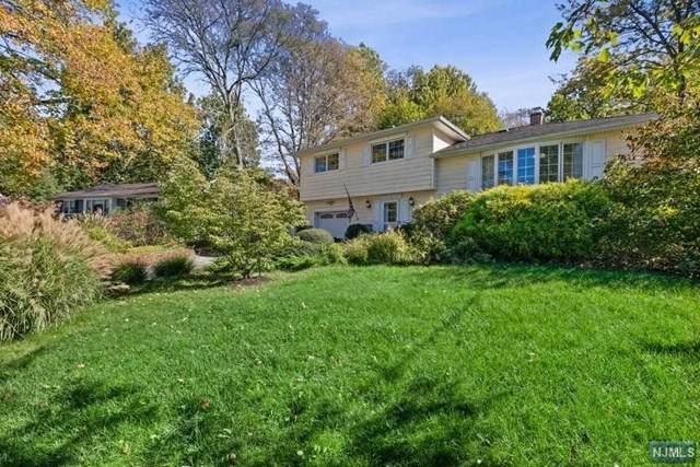 13 Walden Place, West Caldwell, NJ 07006 (#21042009) :: NJJoe Group at Keller Williams Park Views Realty