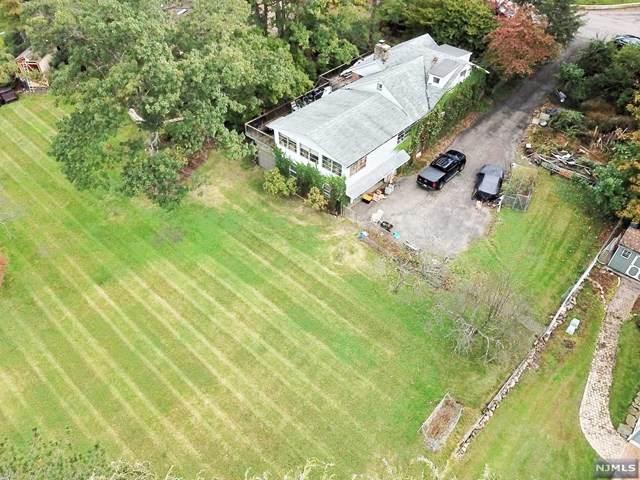 32 Juniper Road, Wayne, NJ 07470 (#21042080) :: NJJoe Group at Keller Williams Park Views Realty