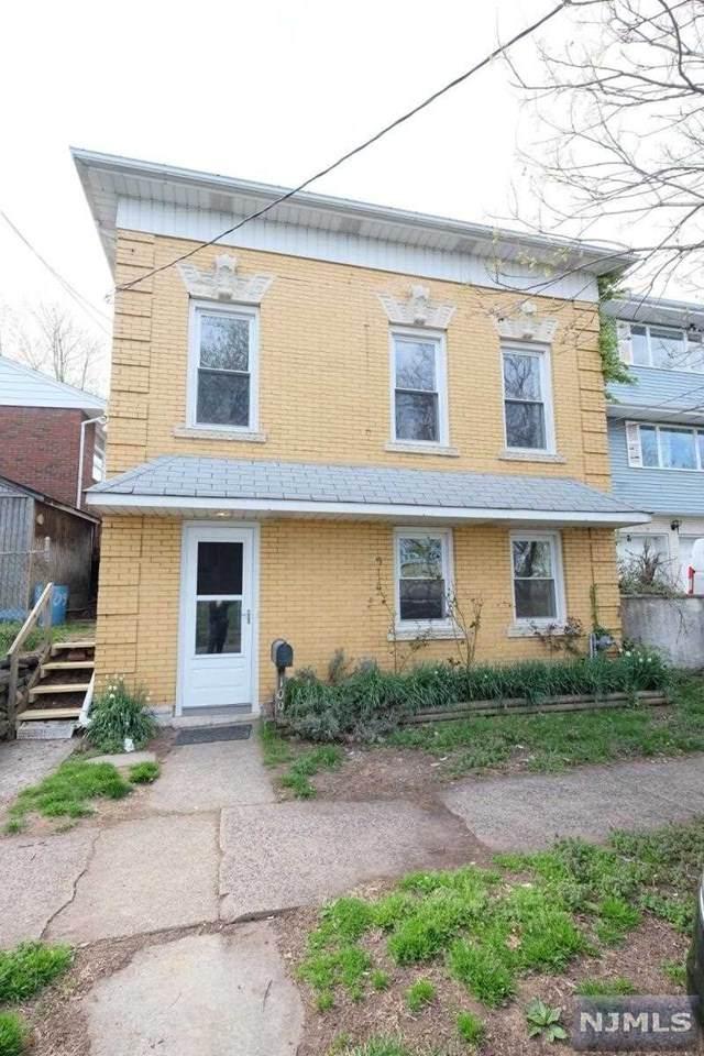 20 Willard Street, Lodi, NJ 07644 (MLS #21042292) :: Corcoran Baer & McIntosh