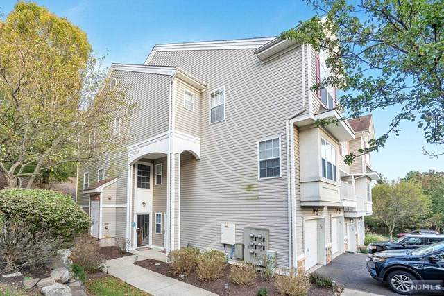 91 Lakeview Court, Pompton Lakes, NJ 07442 (MLS #21042331) :: Kiliszek Real Estate Experts