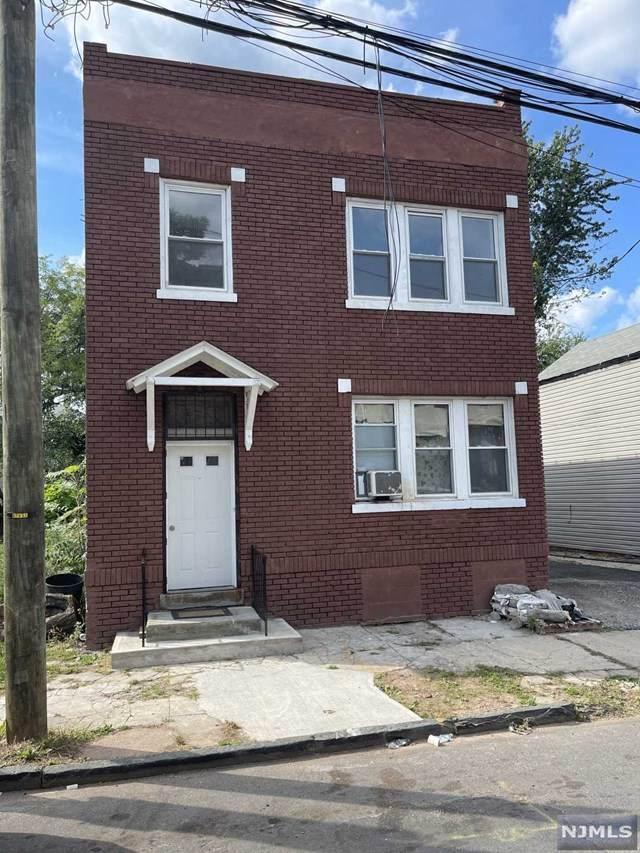 473 S 16th Street, Newark, NJ 07103 (MLS #21042409) :: Kiliszek Real Estate Experts