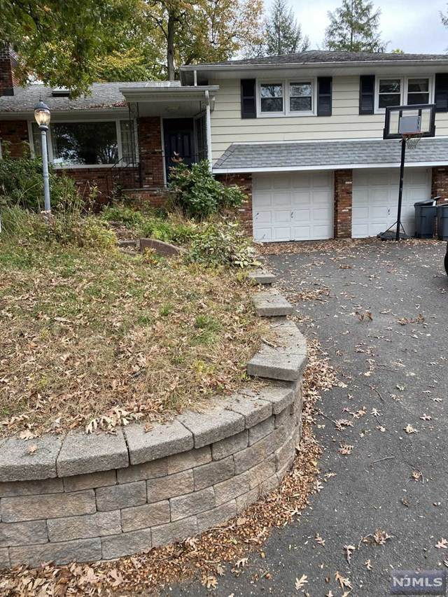 135 Algonquin Trail, Wayne, NJ 07470 (MLS #21042440) :: Corcoran Baer & McIntosh