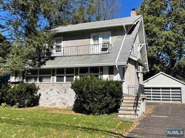 317 W Englewood Avenue, Teaneck, NJ 07666 (MLS #21042445) :: Halo Realty