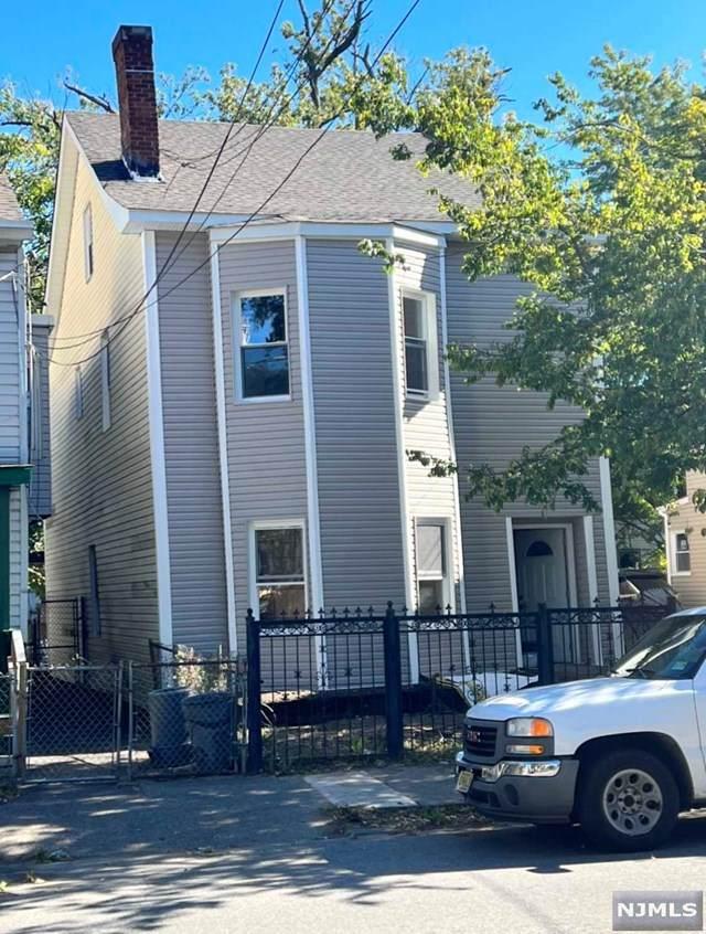 68 E Main Street, Paterson, NJ 07522 (MLS #21042974) :: The Dekanski Home Selling Team