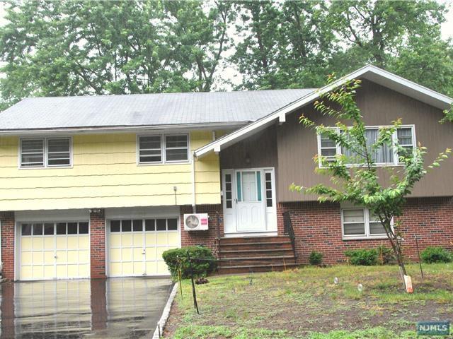 795 7th Ave, River Edge, NJ 07661 (#1724494) :: RE/MAX Properties