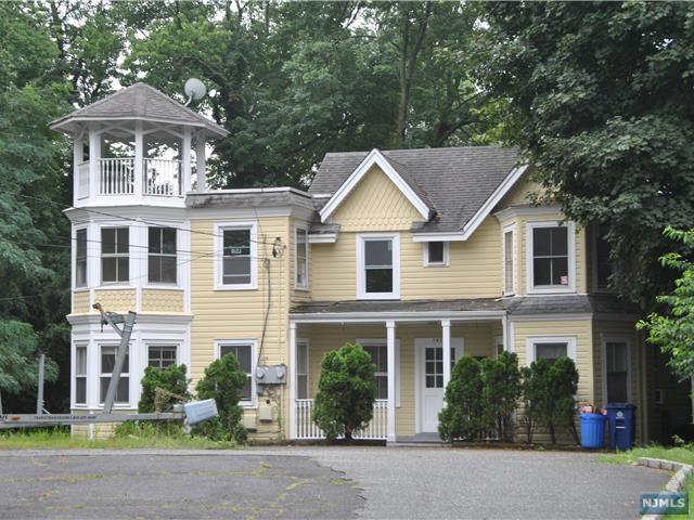 382 High St, Closter, NJ 07624 (MLS #1733182) :: William Raveis Baer & McIntosh