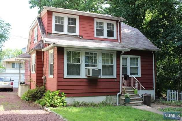 751 Ray Ave, Ridgefield, NJ 07657 (#1741344) :: Group BK