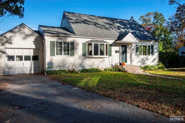 9 Heatherhill Rd, Demarest, NJ 07627 (MLS #1742894) :: William Raveis Baer & McIntosh