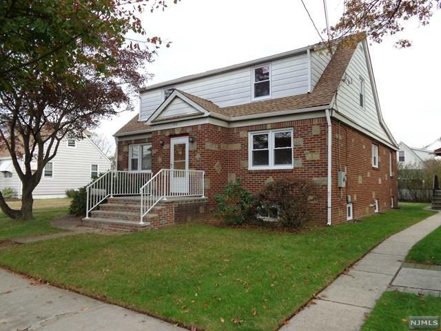 103 Huron Ave, Clifton, NJ 07013 (MLS #1745367) :: Carrington Real Estate Services