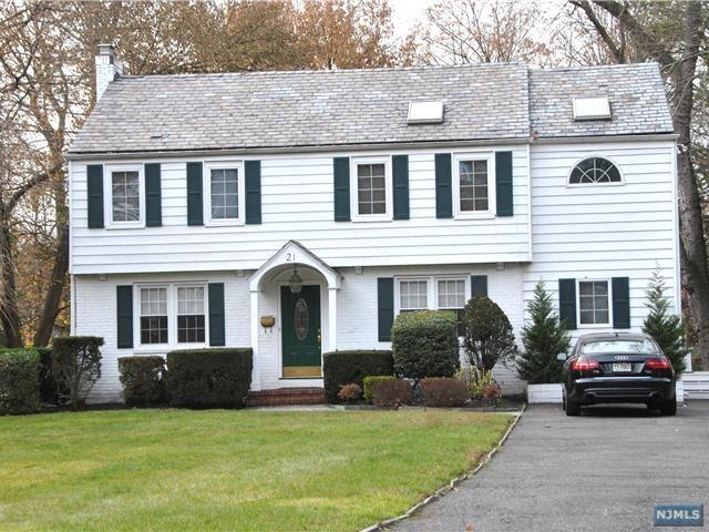 21 Kenwood Rd, Tenafly, NJ 07670 (MLS #1746465) :: William Raveis Baer & McIntosh
