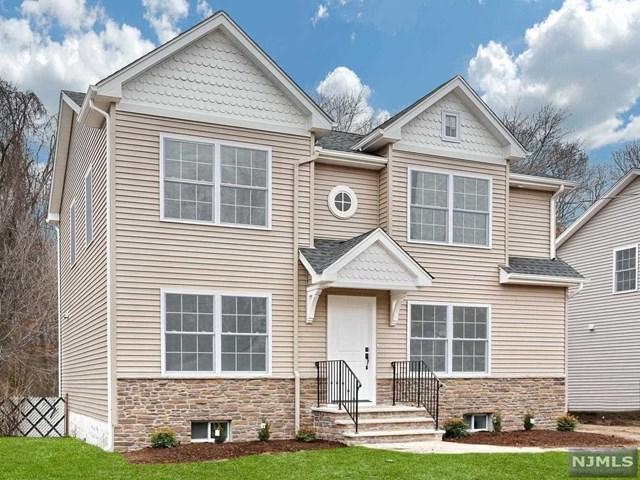 647 Newcomb Road, Ridgewood, NJ 07450 (#1746826) :: RE/MAX Properties