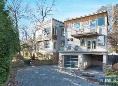 30 Colony Road, Edgewater, NJ 07020 (#1747652) :: Group BK