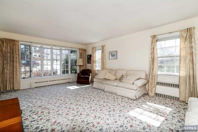 400 Ridgeland Terrace, Leonia, NJ 07605 (MLS #1809716) :: William Raveis Baer & McIntosh